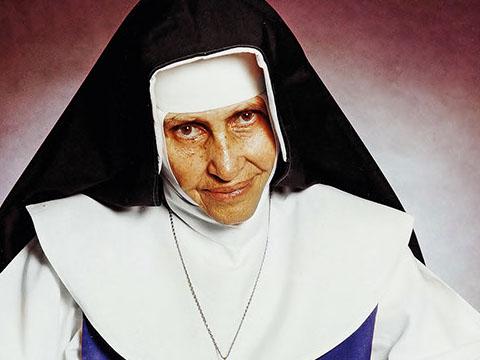 Santa Dulce de los Pobres  Brasil. 1914-1992.  Candidata al Premio Nobel de la Paz. Apóstol entre los más pobres
